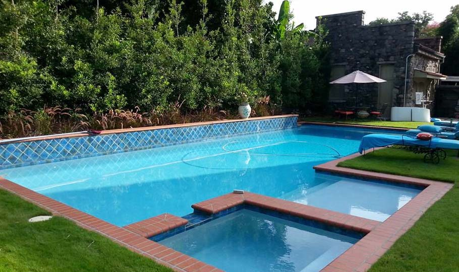 Uptown New Orleans poolside landscaping companies